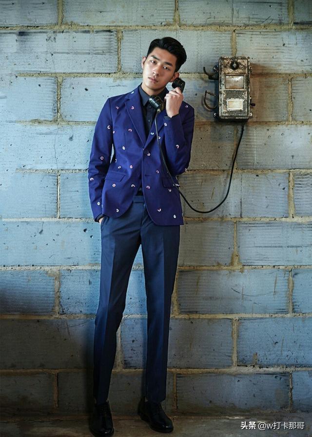 95后模特帅哥完全是偶像气质、神仙颜值,轮廓硬朗的他英气逼人