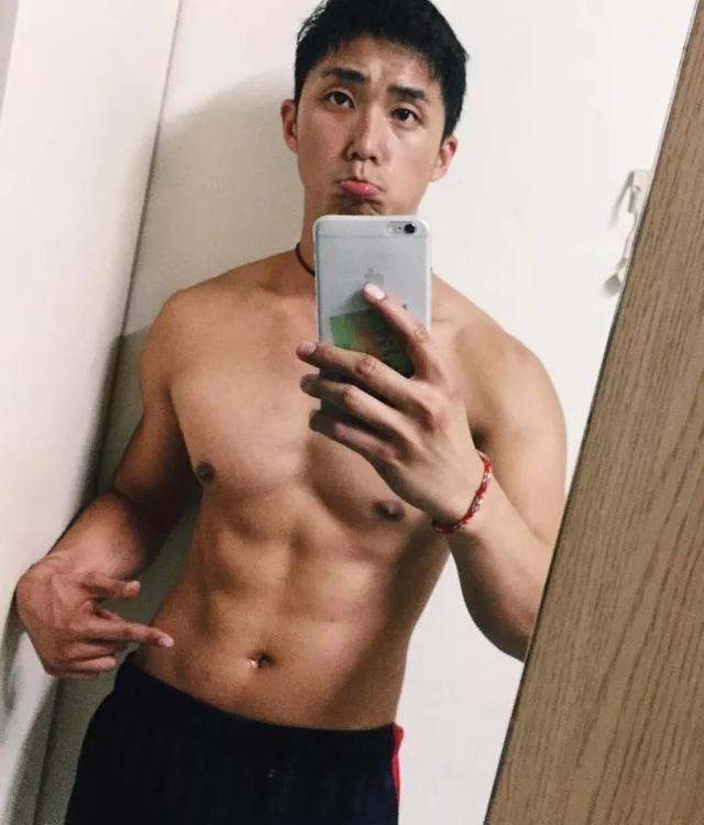 这枚台湾网红男模李浩然,被指真人与照片差很远